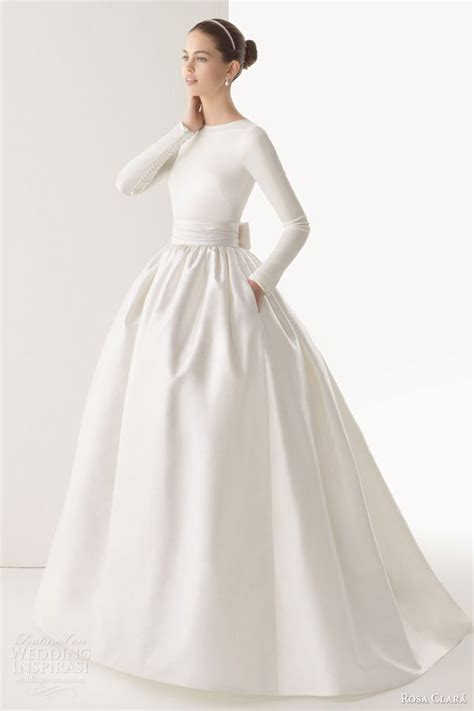 25 best ideas about winter wedding dresses on amelia sposa wedding gowns for - Simple Winter Wedding Dresses