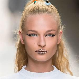Autumnwinter 2019 makeup trends  Catwalk beauty trends AW19