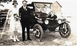 voiture ancienne mariage véhicules photos anciennes et d 39 autrefois photographies d 39 époque en noir et blanc