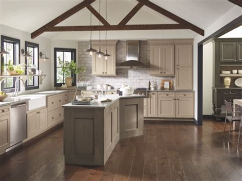 Aristokraft Oak Kitchen Cabinets by Home Decor Color Trends 2017 House Design And Decorating