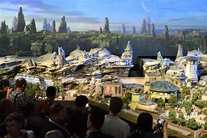 Disney names new Star Wars lands 'Galaxy's Edge' - Chicago ...