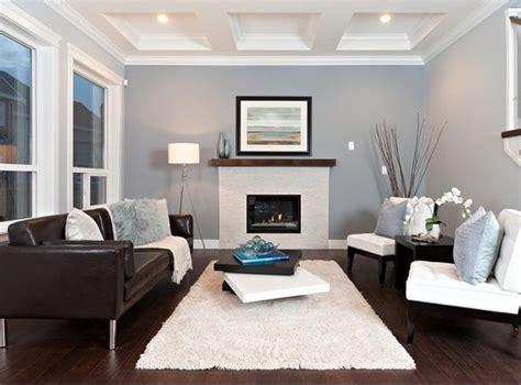 sala sofa marrom e parede cinza 10 ideias de salas decoradas sof 225 marrom apartamento
