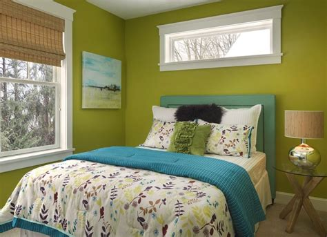 green bedroom paint colors  small spaces