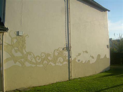 application d un cr 233 pi ext 233 rieur photo de pour habiller un grand mur blanc efremov