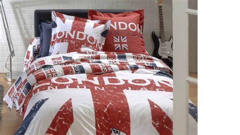 amenager une chambre avec 2 lits modèle décoration chambre bébé