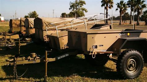 australian defence to sell thousands of vehicles