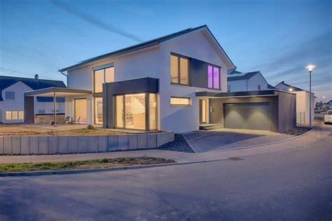 Moderne Häuser Satteldach Bilder by Hauser Zeitschrift Erfreulich Moderne Huser Satteldach