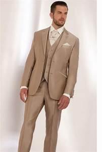 Costume Pour Homme Mariage : costume beige de mariage pour homme tuxedo 39 s tuxedo suits weddi ~ Melissatoandfro.com Idées de Décoration