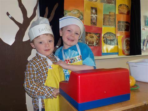when do children go to preschool let s go to the restaurant preschool 959