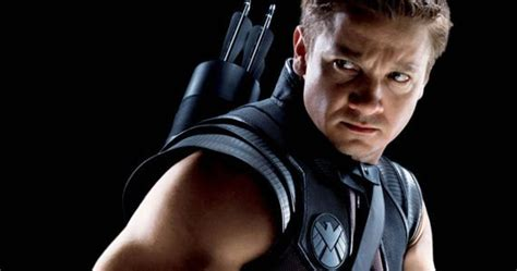 Avengers Set Photos Offers Glimpse Hawkeye New Look