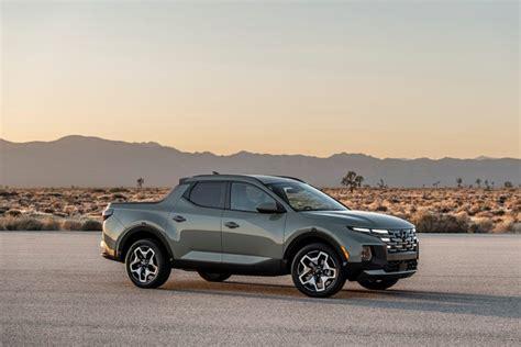 No, it drives like a hyundai tucson suv. Hyundai Santa Cruz 2022 First Look: Photos, Specs, and ...