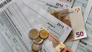 Was Können Hausbesitzer Von Der Steuer Absetzen : geld zur ck von der steuer was arbeitnehmer absetzen k nnen n ~ Frokenaadalensverden.com Haus und Dekorationen