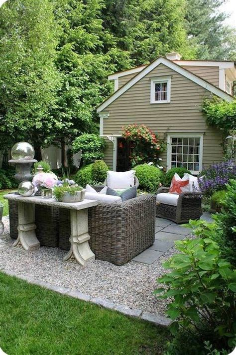 Pea Gravel Patio Images by 17 Best Ideas About Inexpensive Patio Furniture On