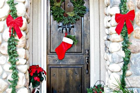 13 dashing christmas door decorations to impress your