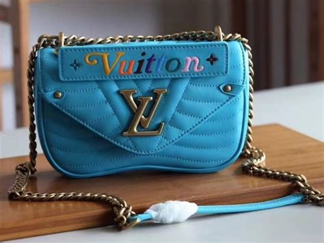 louis vuitton  wave chain bag mm malibu green