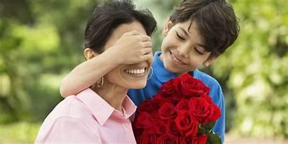 Mom Mother Roses Giving Single Boy Better