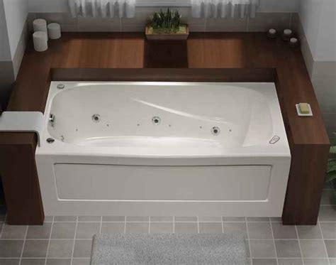 baignoire avec integree mirolin tucson baignoire combin 233 e tourbillon jet air en acrylique avec jupe int 233 gr 233 e 60