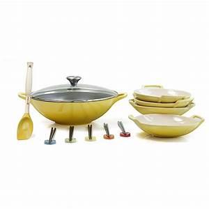 Wok Le Creuset : le creuset soleil yellow enameled cast iron wok with stoneware wok dish set and serveware woks ~ Watch28wear.com Haus und Dekorationen