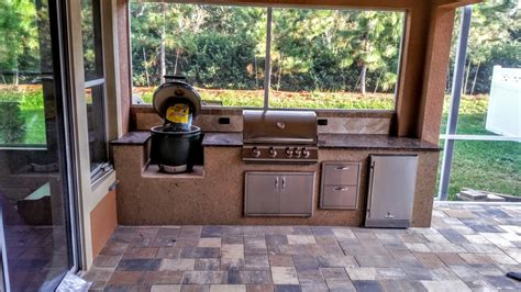 creative outdoor kitchens big green egg creative outdoor