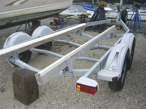 Boat Trailer Axles by Tandem Axle Boat Trailer The Hull Boating And