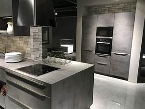 Küche In Betonoptik : so sch n kann eine graue k che mit betonoptik sein damit ~ Michelbontemps.com Haus und Dekorationen