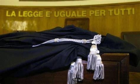 Tribunale Di Bologna Uffici - dai banchi alle aule di tribunale a bologna gli studenti