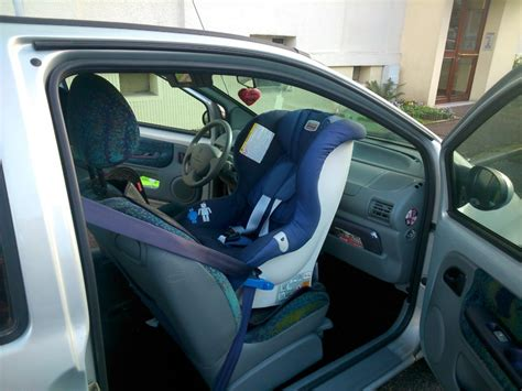 siege auto l avant un siège auto pour twingo place avant