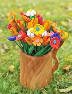 Fleur En Bois : fleurs en bois multicolores de bouquet dans un vase image ~ Dallasstarsshop.com Idées de Décoration