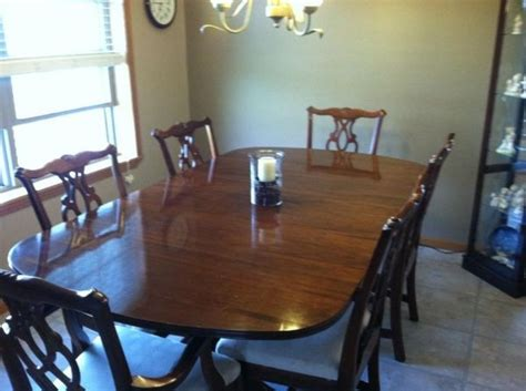 craigslist dining room table and chairs 1000 images about craigslist stuff on