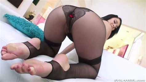 Beautiful Curvy Nympho Kristina Rose Takes Strong Cock