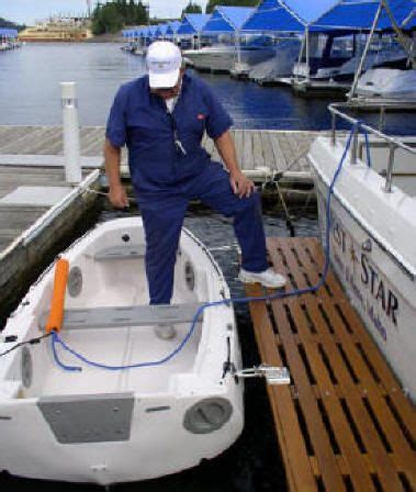Zodiac Boat Davits by Dinghy Towing Dinghy Davits How To Carry Dinghy