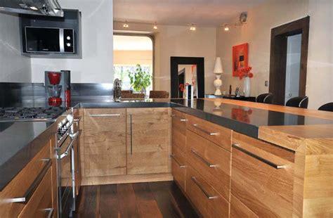 cuisine amenagee solde cuisine équipée en bois cuisine en image