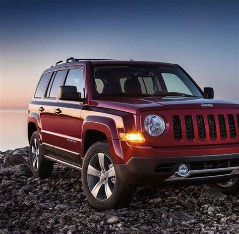 Mccune Chrysler Jeep Dodge by Jeep Ends 2017 With An 11 Sales Decline The News Wheel