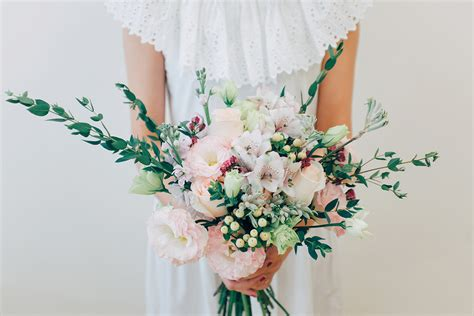 style   wedding  affordable blooms  runaway