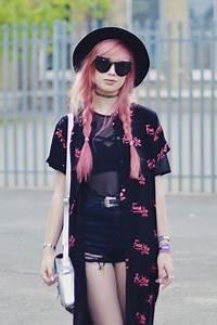 25+ best ideas about Punk girls on Pinterest | Punk Punk fashion style and Punk fashion