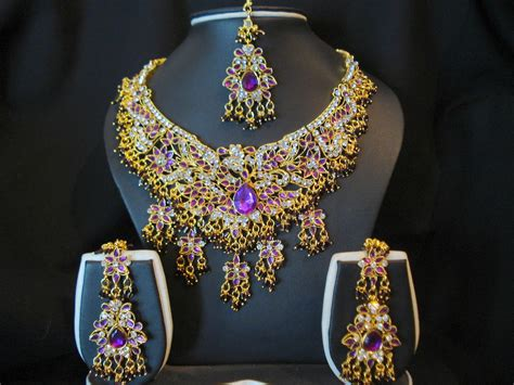 Wedding Jewelry Gold : Latest Indian Jewelry
