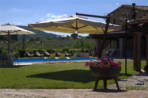 albergo con piscina in grand relais laurenti albergo con parco esterno e grande