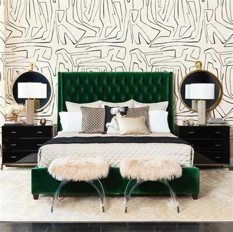 10 Stunnning Emerald Green Bedroom Designs – Master
