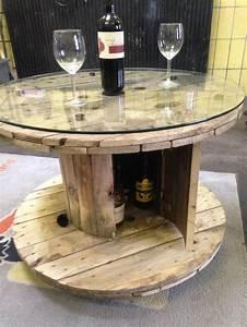 Tisch Aus Holz : die 25 besten ideen zu kabeltrommel auf pinterest holzspulen ~ Watch28wear.com Haus und Dekorationen