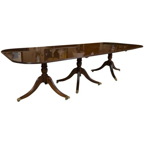 Georgian Style Banded Triple Pedestal Dining Room Table at