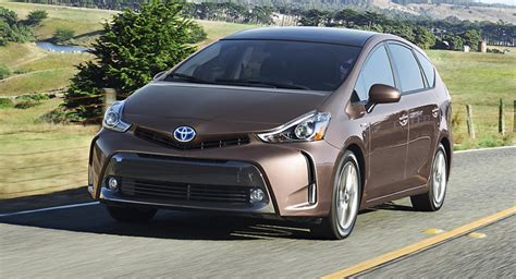 2015 Toyota Prius V Updated To Look Like Its European Sibling