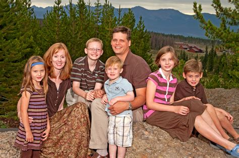 family of family portraits photos by dill inc exclusive photographers of the ymca of the rockies