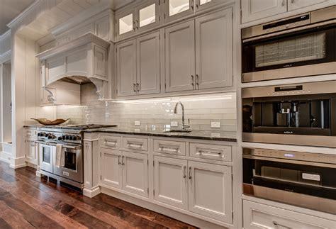 Kitchen Appliance Layouts by Interior Design Ideas
