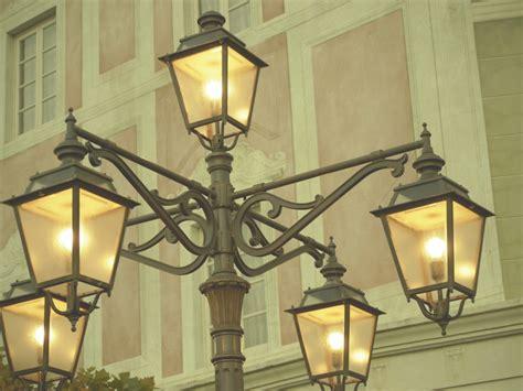 街灯のある風景:レトロ