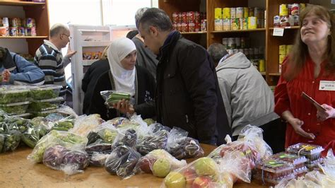 Gloucester Food Cupboard syrian refugees are flooding ottawa food banks ctv