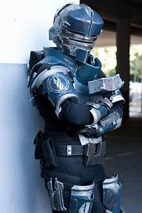 Dead Space: Issac Clarke (Earthgov Suit) #cosplay | Cool ...