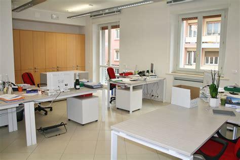 Ufficio Commercialista by Studio Commercialisti Cavalca Linea Ufficio