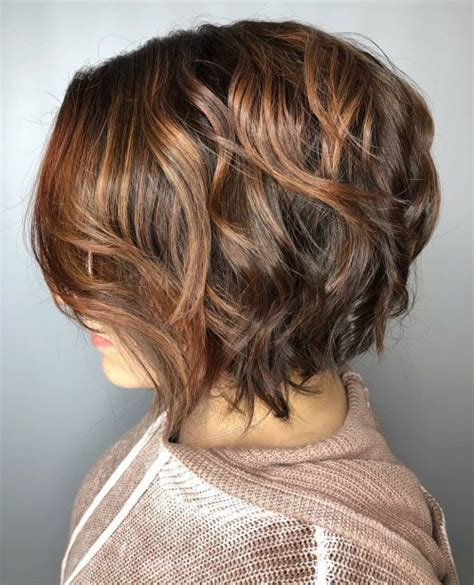 Hairstyles With And Brown Highlights by 28 Greatest Brown Hair With Highlights For 2019