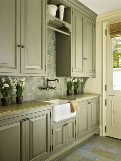 great blending  colors  cabinets floor
