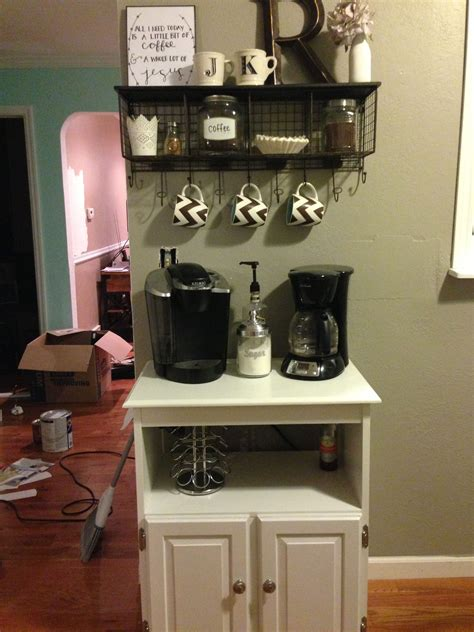 Do you find designing your very own coffee bar a challenge? 30+ Best Home Coffee Bar Ideas for All Coffee Lovers   Coffee bar home, Diy coffee bar, Coffee ...